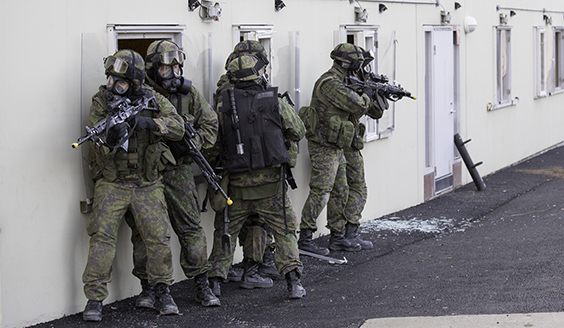 Guard Jaeger Regiment trains in Sweden