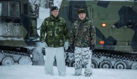 Sveriges arméchef på besök i Finland